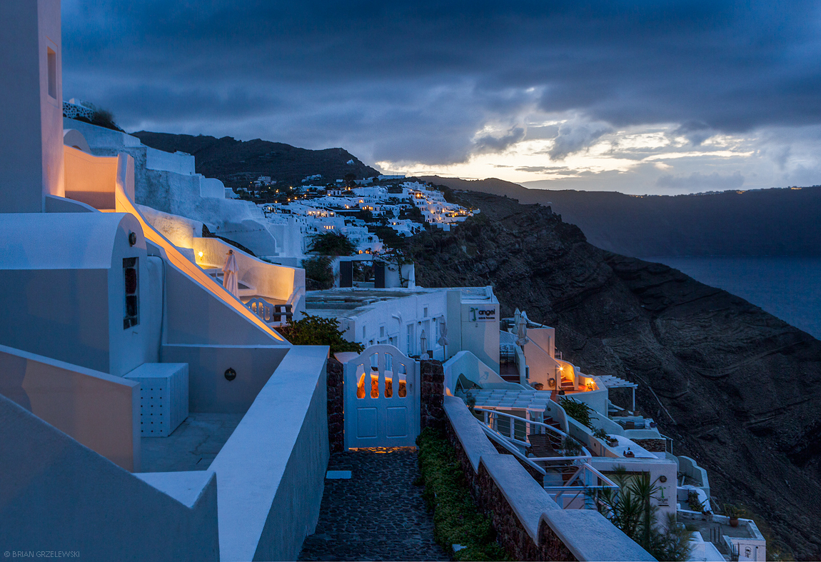 blue-hour-Santorini